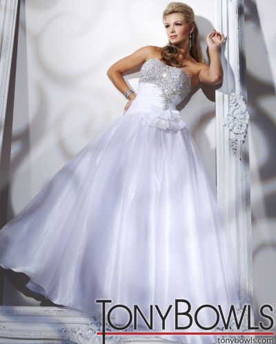 fe1286902c07 Tony Bowls Le Gala Corset Ball Gown Prom Dress 112516: French Novelty