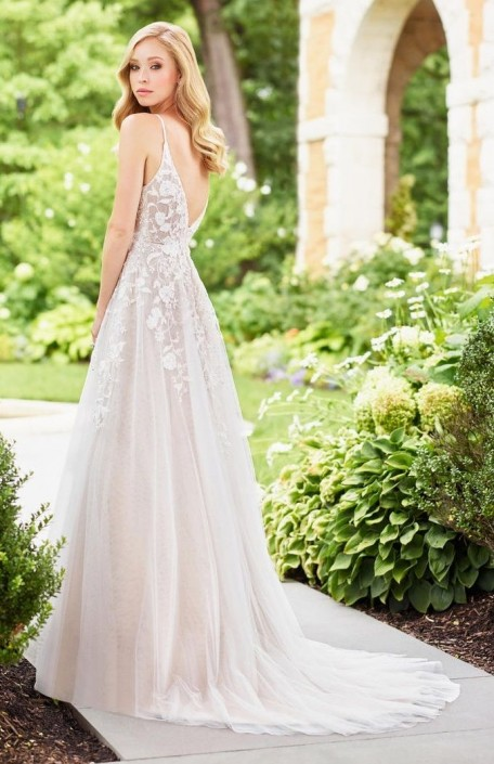 Destination Wedding Dresses.Mon Cheri Enchanting 118136 Exquisite Destination Wedding Dress