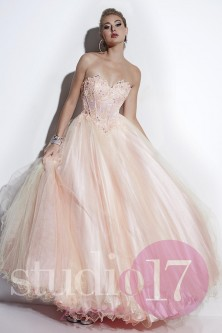 9df56179bf47 Non Current Quinceanera and Ball Gowns: French Novelty