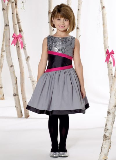 Fashion Dresses 2011   Girls on Calabrese For Mon Cheri Little Girls Dress With Sequins 211319 Image