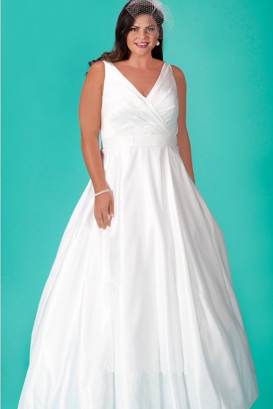 Sydneys Closet SC5204 Modern Plus Size Casual Wedding Gown French Novelty