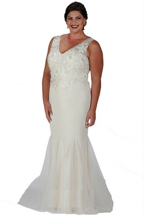 Sydneys Closet SC7201 Plus Size Ivory Lace Gown: French Novelty